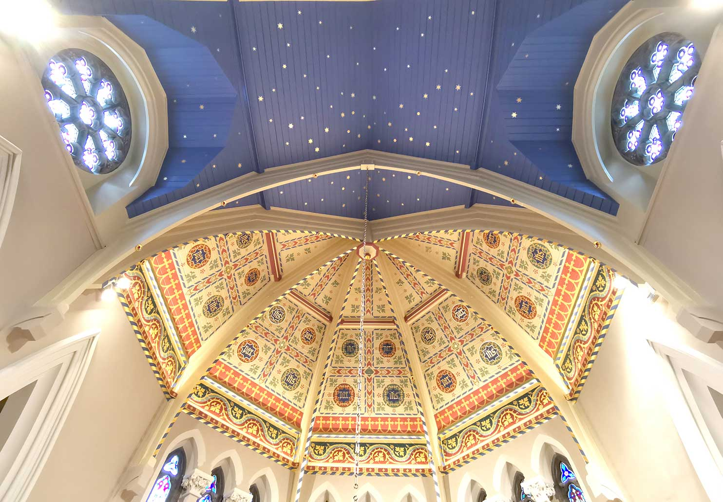 The Apse in historic St Gregory The Great Catholic Church in Stratford-upon-Avon, restored to its original Pugin design during 2020 by Garry Kness of Pro Murals, muralartist@gmail.com